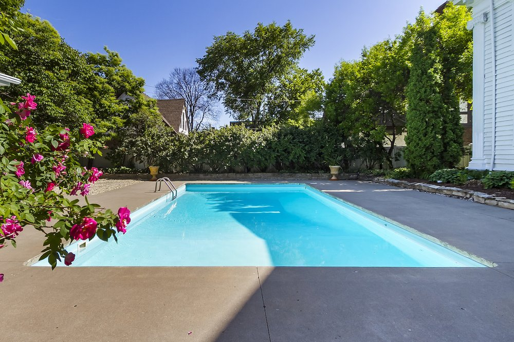 Cool Water Pool Works: 26 Hill St, Southampton, NY