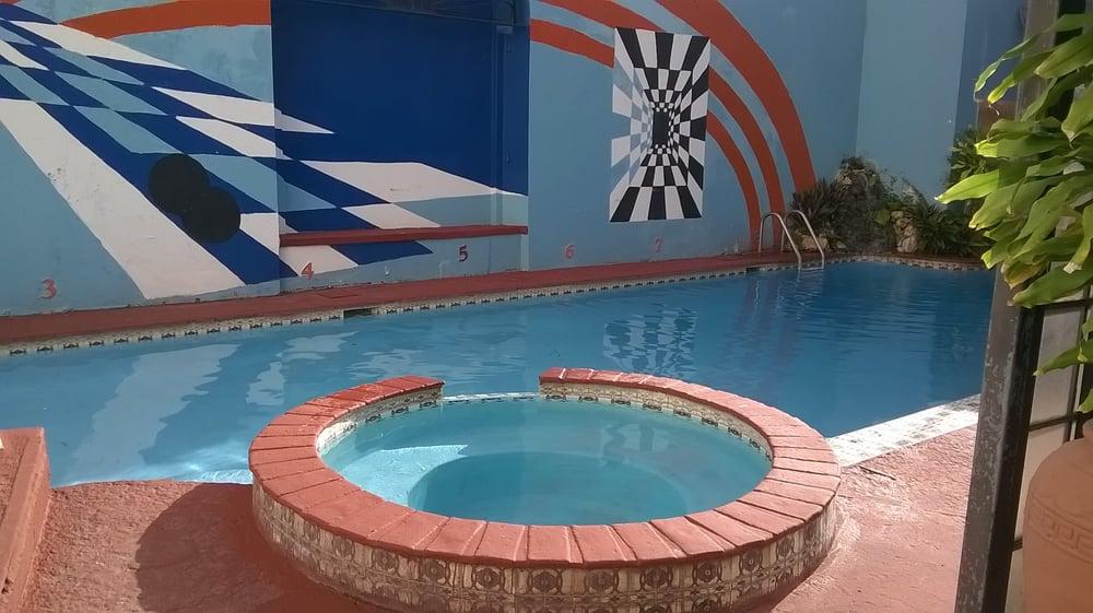 Hotel Oasis: Calle Luna 72, San Germán, PR