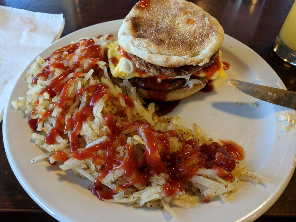 J-V Club Cafe: 701 Main St, Jordan Valley, OR