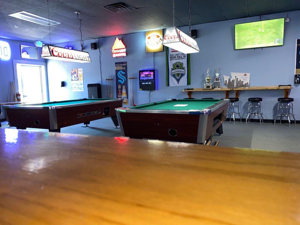 Just Chill Pub & Grill: 16716 Hwy 99, Lynnwood, WA