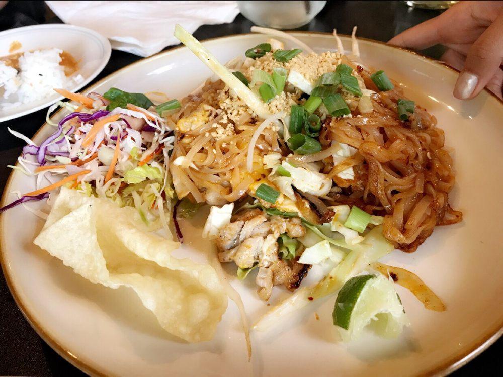Keen Kow Thai Food: 66873 Robin Ave, Ninilchik, AK