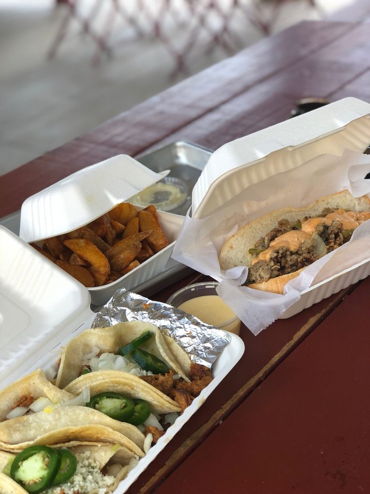 Delia's Chicken Sausage Stand: 489 Moreland Ave SE, Atlanta, GA