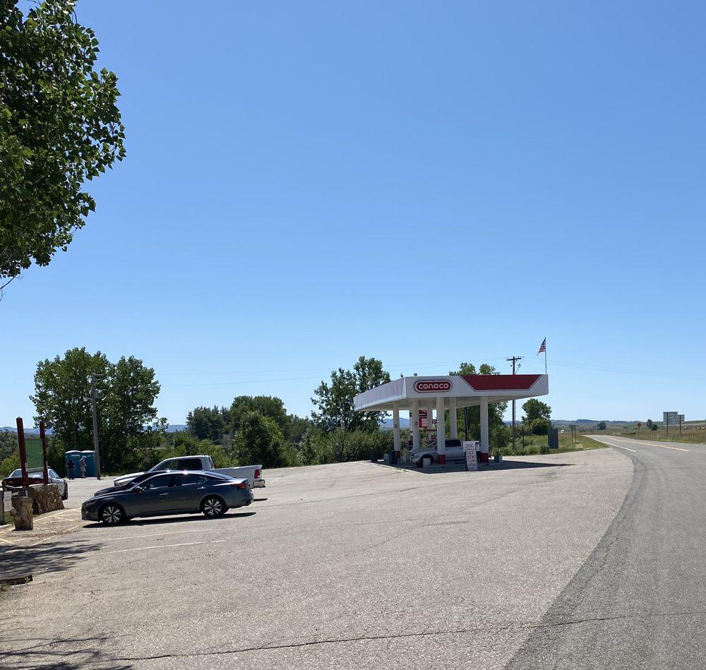 Conoco: I-90 Exit 514, Crow Agency, MT