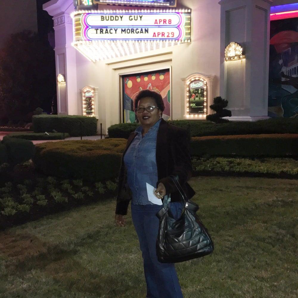 Bluesville Showcase Nightclub: 1021 Casino Center Dr, Robinsonville, MS