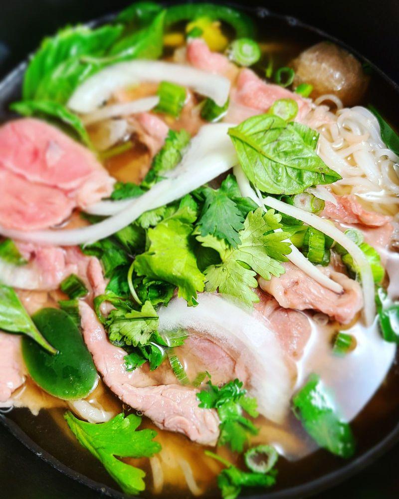 Com Tam Ninh Kieu