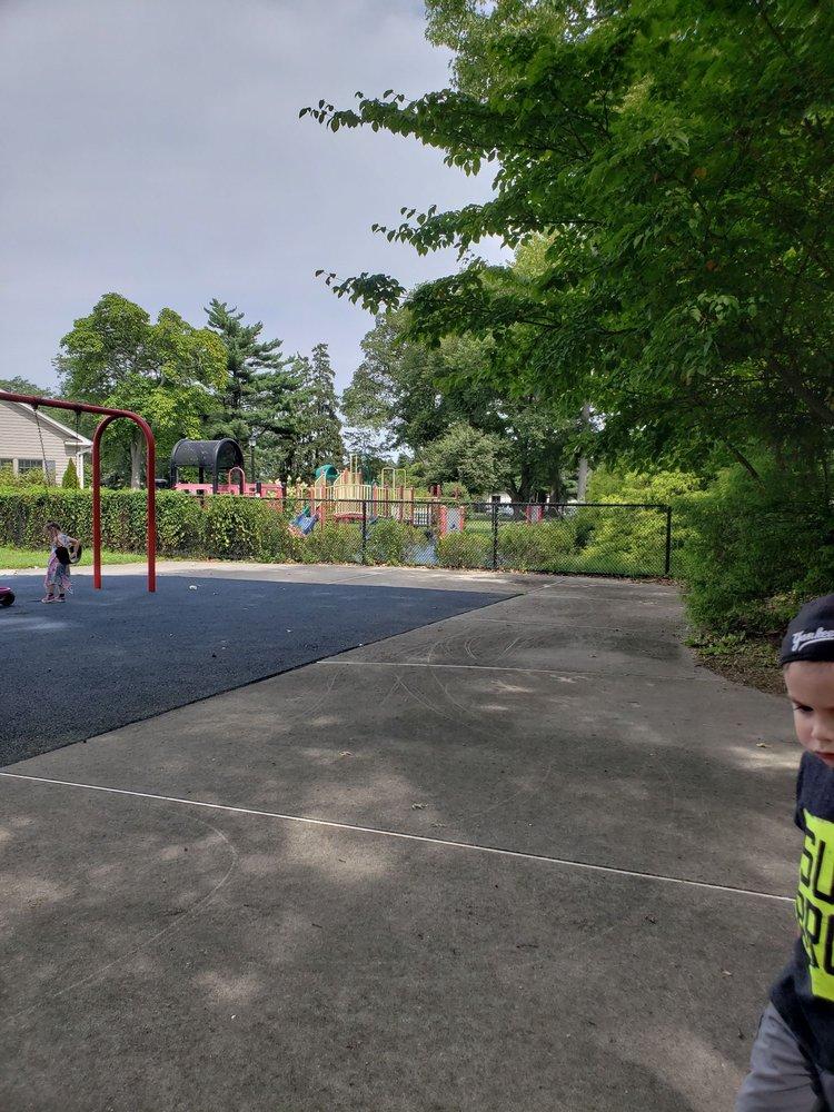 Marjorie R. Post Community Park: 451 Unqua Rd, Massapequa, NY