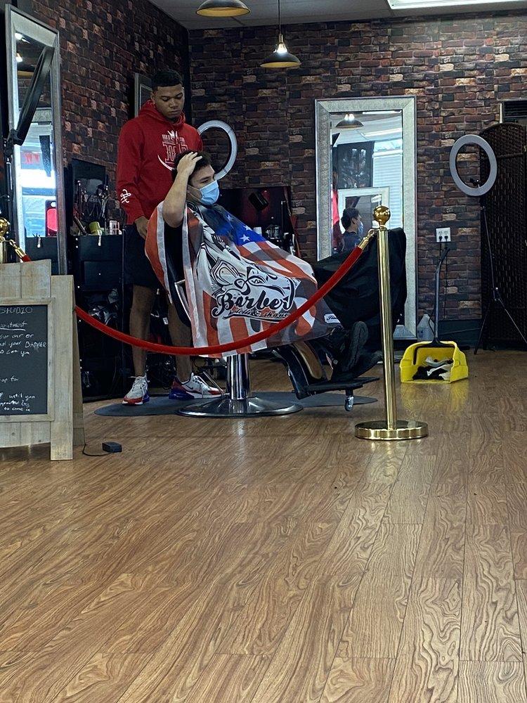 Barber Studio: 102 N 38th Ave, Hattiesburg, MS