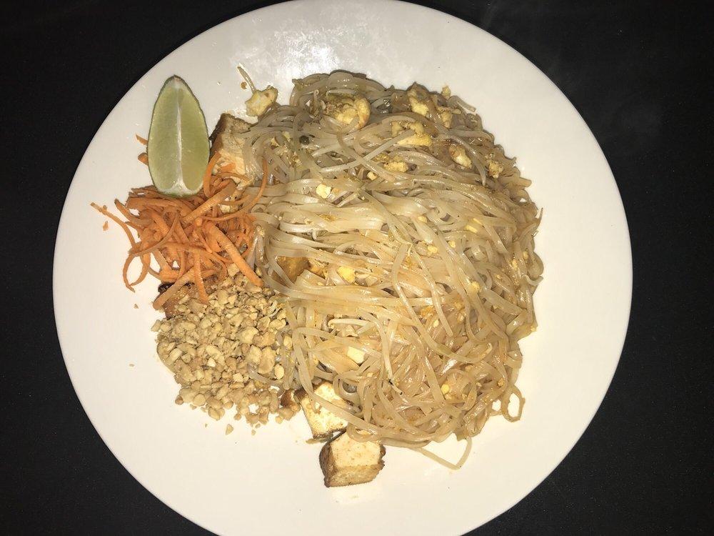 Kati Thai Cuisine: 102 Eble St, Gadsden, AL