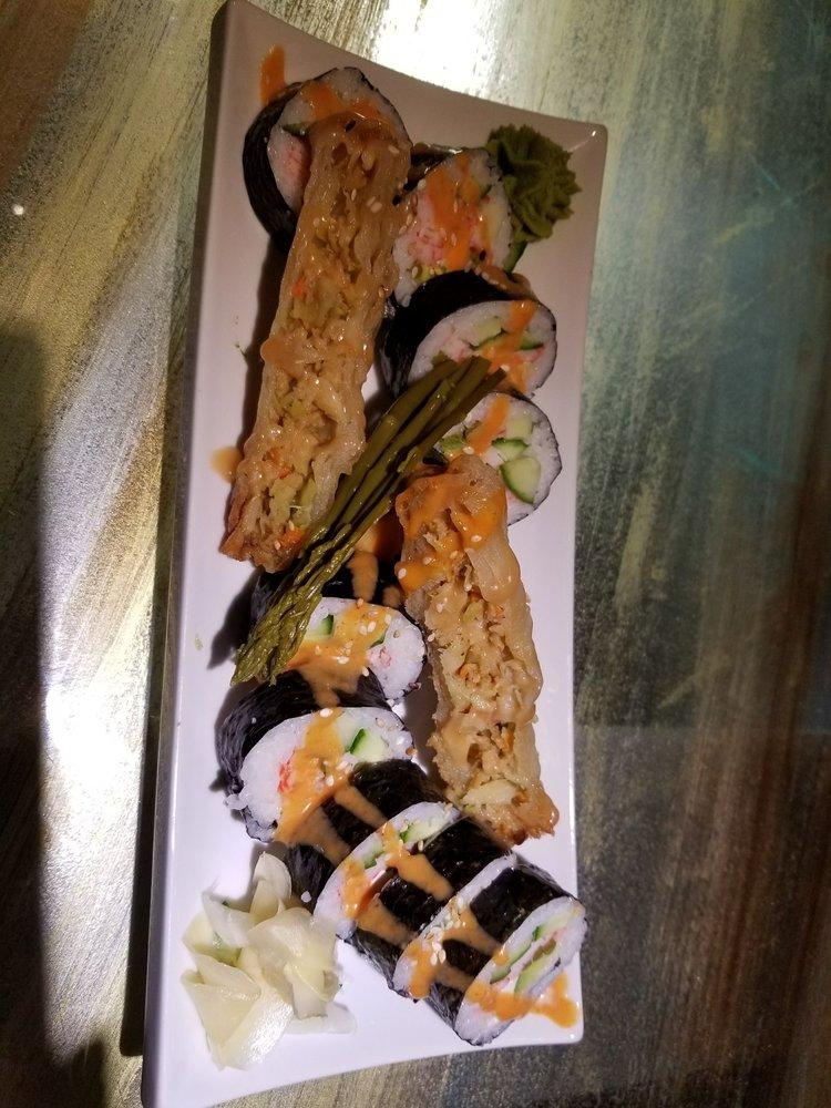 Iguana Sushi Bar: 3850 Dougall Ave, Windsor, ON