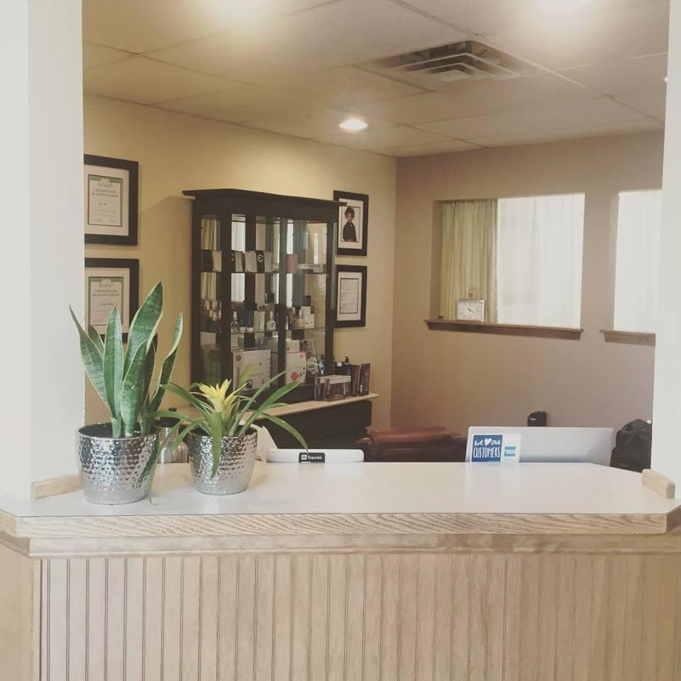 Beauty Bar Lash Lounge: 224 1st Ave E, Kalispell, MT