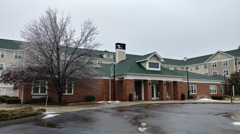 Homewood Suites by Hilton Manchester/Airport: 1000 Perimeter Rd, Manchester, NH