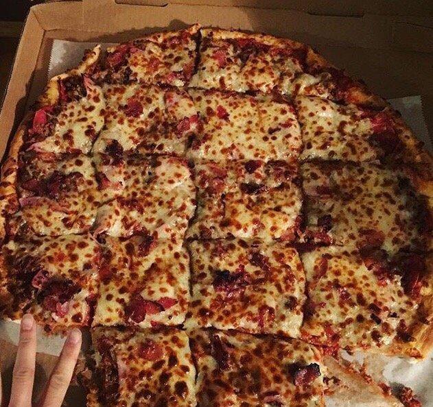 Giovannis Pizza: 290 Fairlane Dr, Vanceburg, KY