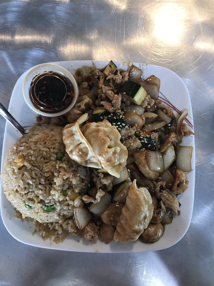 Emperor's Japanese Grill: 3526 N Rock Rd, Wichita, KS