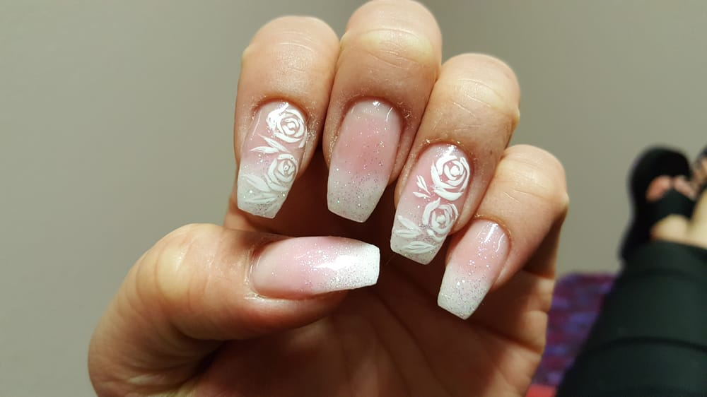 Nails magnolia ~ Beautify themselves with sweet nails