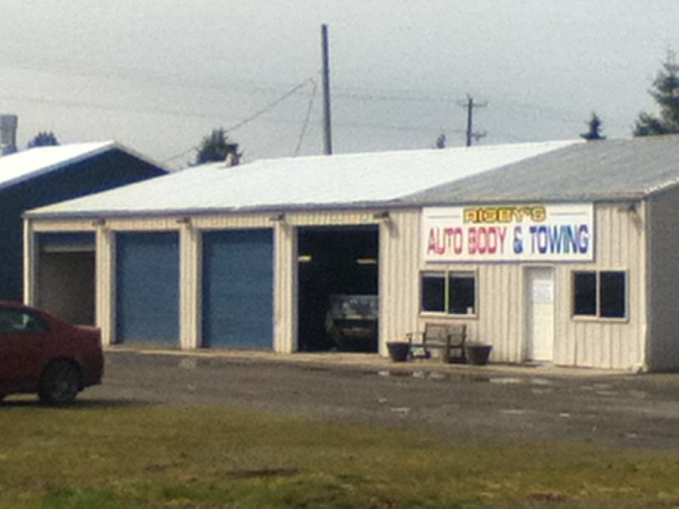 Rigby's Auto Body & Towing: 65 W E St, Forks, WA