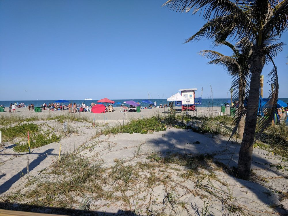 Beach Shack: 1 Minutemen Cswy, Cocoa Beach, FL