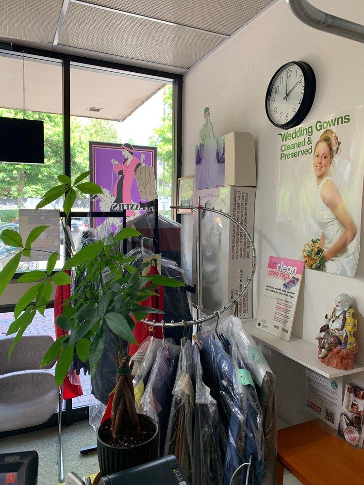 D&L Cleaners & Alterations: 14410 SE Petrovitsky Rd, Renton, WA