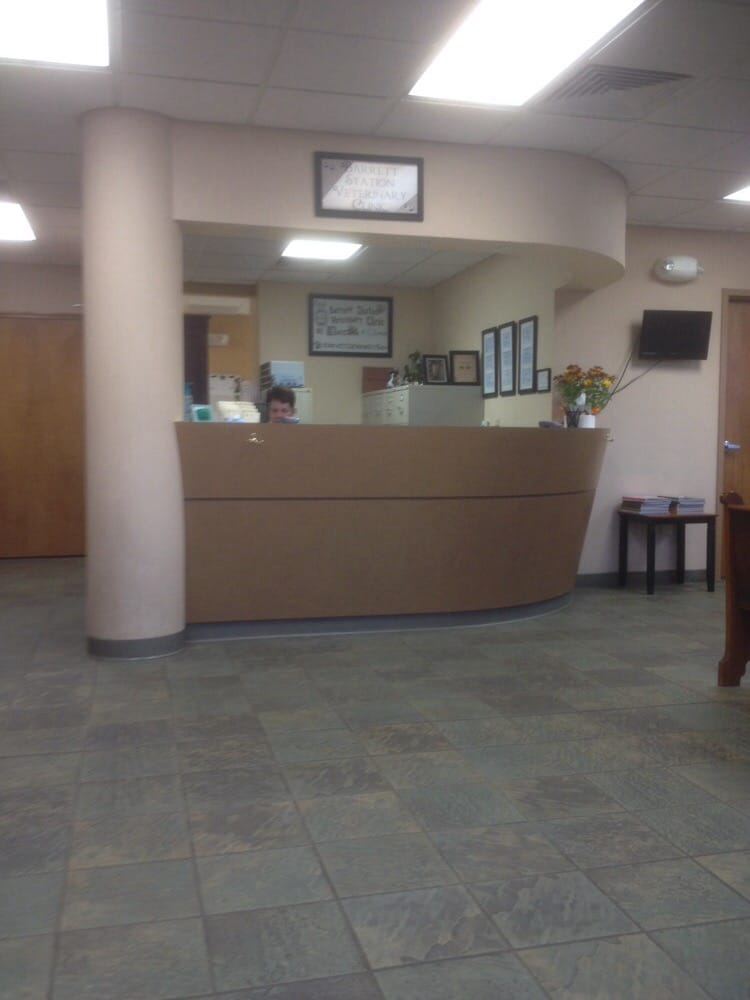 Barrett Station Veterinary Clinic: 2212 Mason Ln, Ballwin, MO