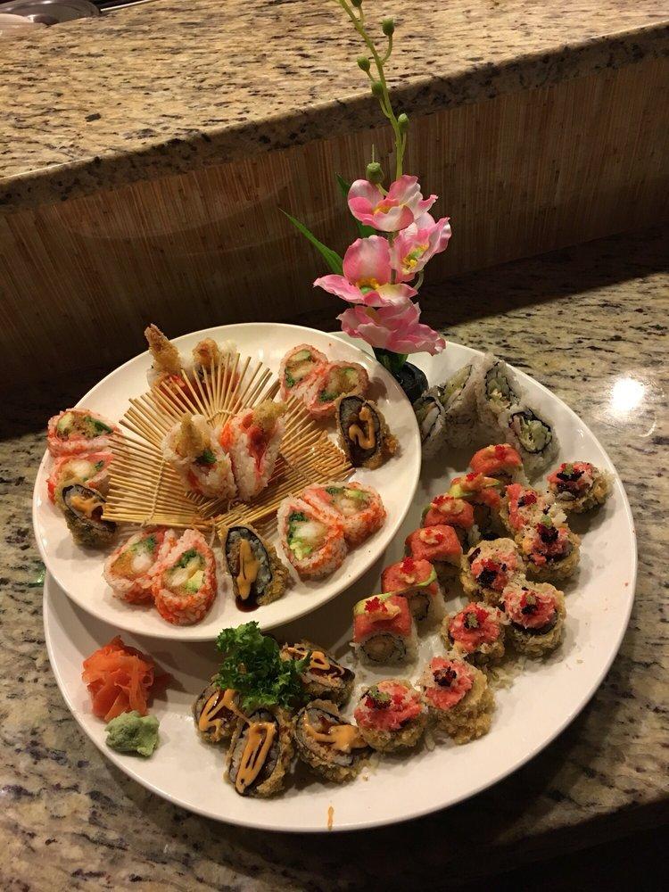 Masa Sushi: 5 Clubhouse Dr, Washington Township, NJ
