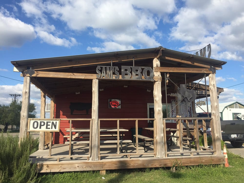 Sam's BBQ: 15801 Northwest Blvd, Robstown, TX
