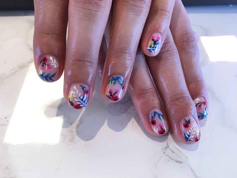 Gel manicure and nail art by Mia! - Yelp