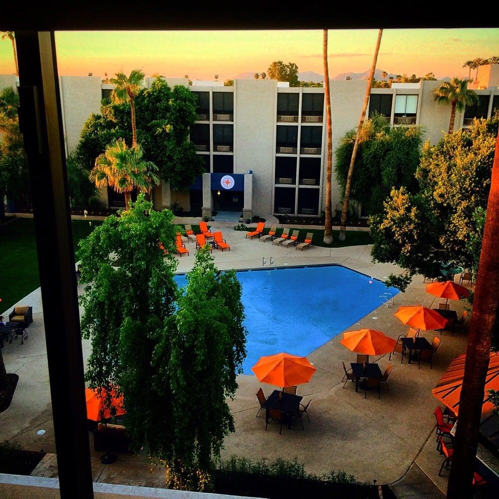 Camelback sahara hotel closed 20 photos 18 reviews for Hotels 85016