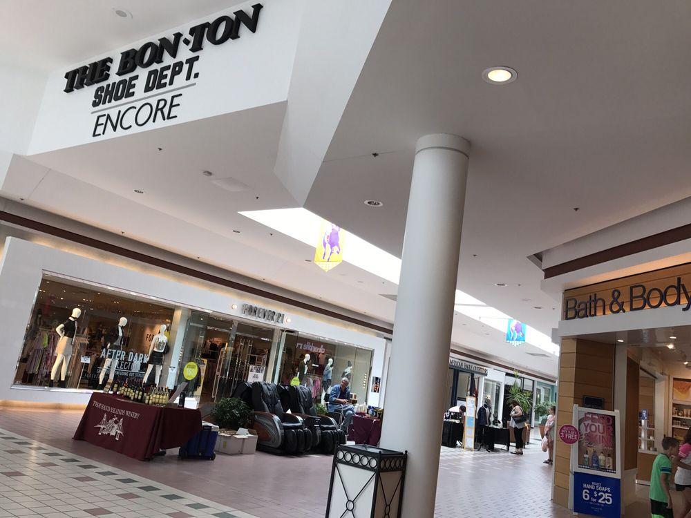 Restaurants In Wilton Mall Ny