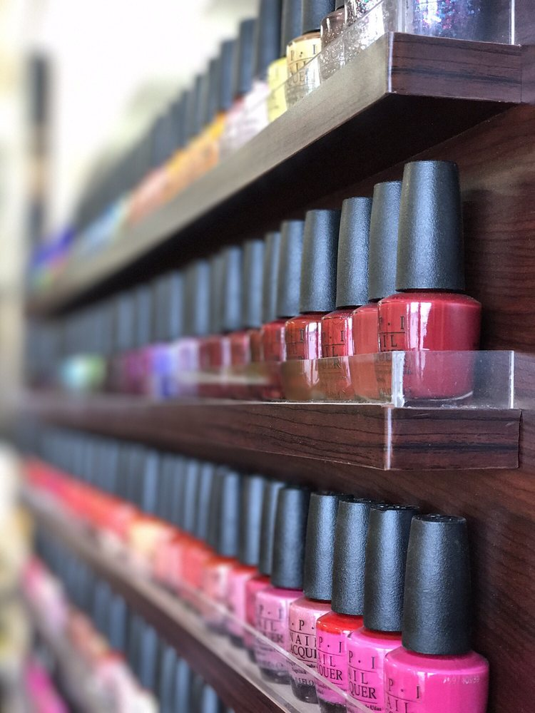 Ivy Nail & Spa: 2990 E State St, Hermitage, PA