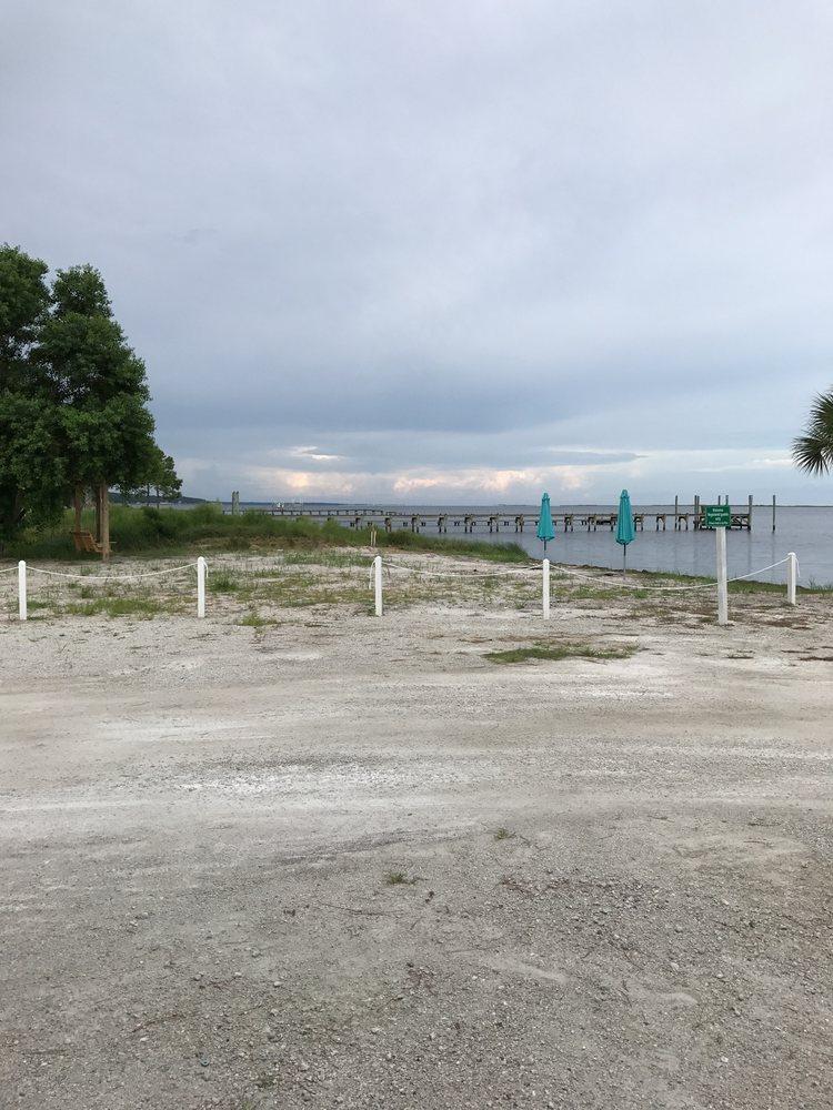 Ho-Hum RV Park: 2132 Hwy 98 E, Carrabelle, FL