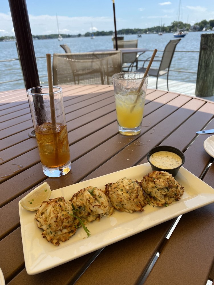 Pirates Cove Restaurant: 4817 Riverside Dr, Galesville, MD