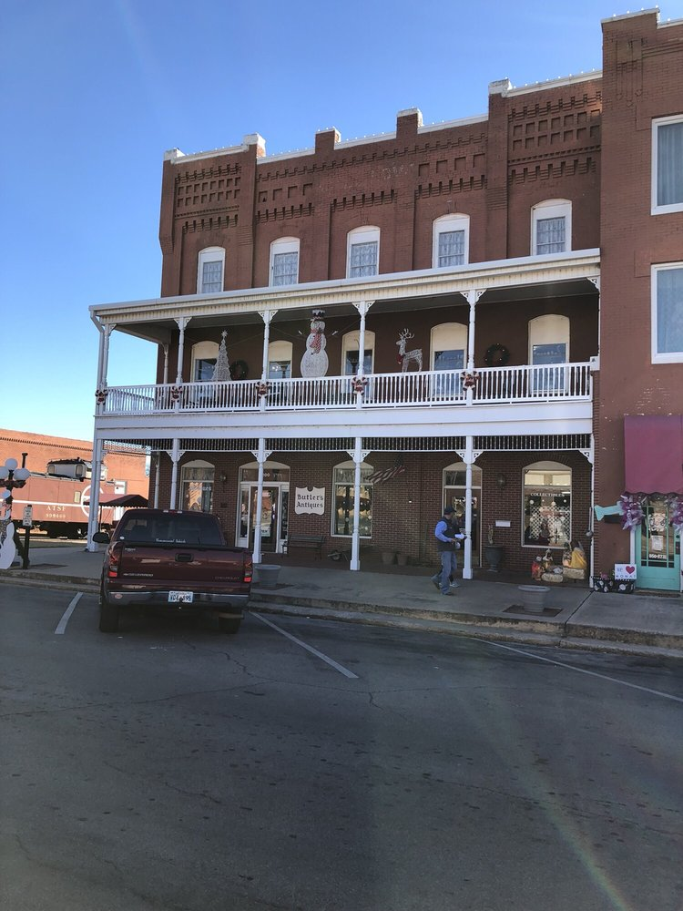 Butler Antiques: 200 W Main St, Purcell, OK