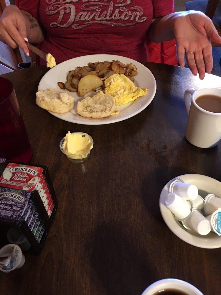 Melanie's Family Restaurant: 25164 George Washington Hwy, Aurora, WV