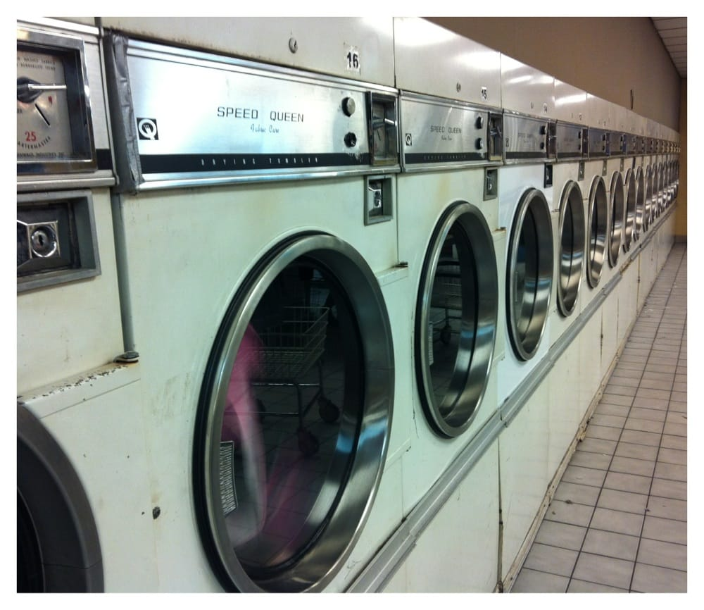 Coin Laundry: 8585 Clark St, Clive, IA