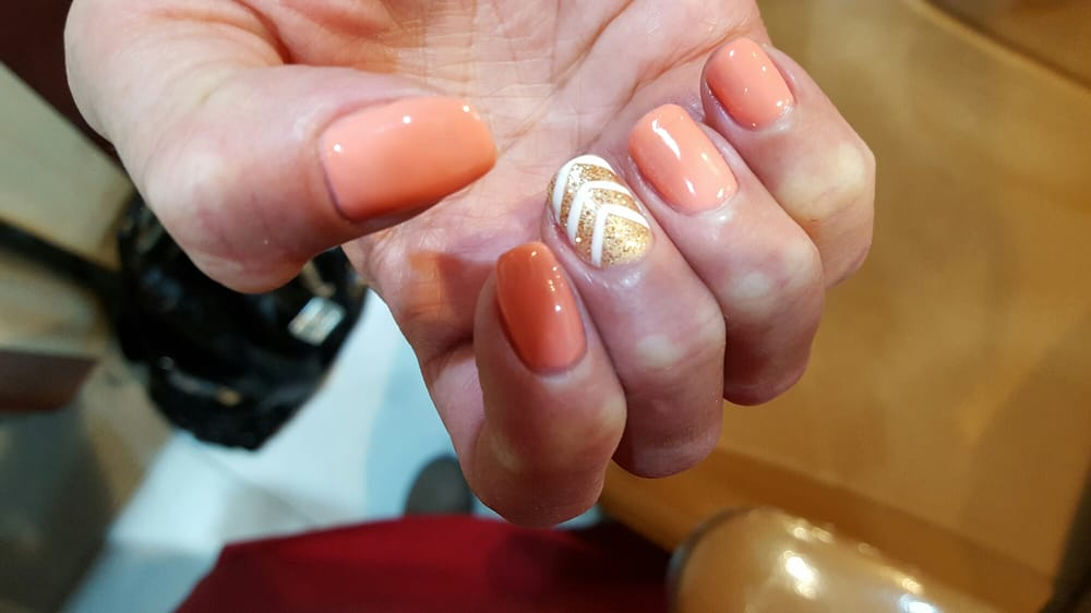 New gold nail spa 50 fotos y 30 rese as manicura y for 5th ave nail salon
