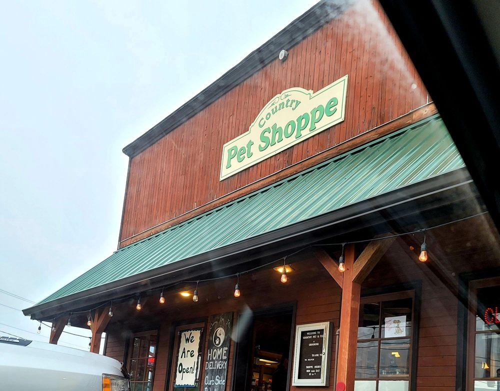 Country Pet Shoppe: 11132 NE 2nd St, Kingston, WA