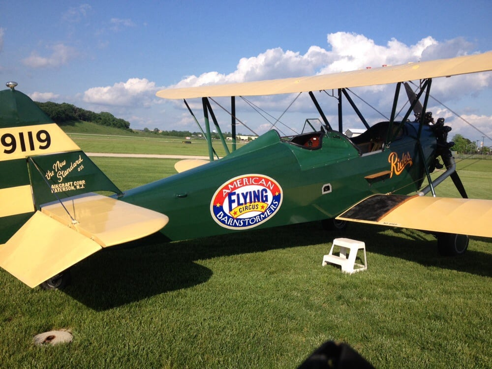 Biplane Rides of America: Ted & Kim Davis, Brodhead, WI