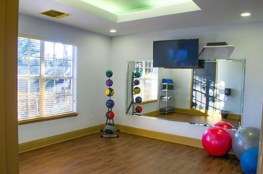 Bel Aire Terrace: 100 Bel Aire Dr, Crestview, FL
