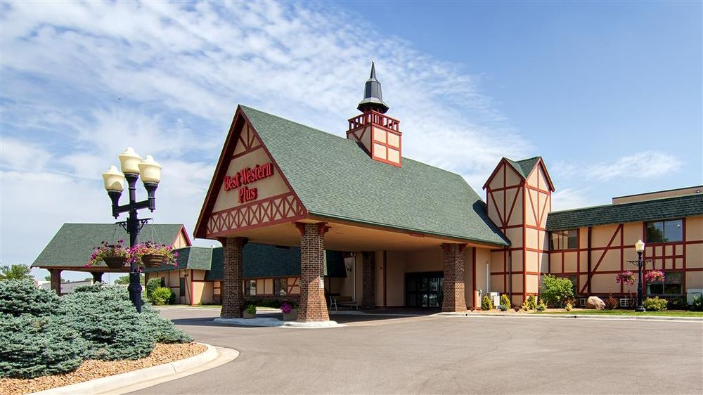 Best Western Plus New Ulm: 2101 S Broadway St, New Ulm, MN