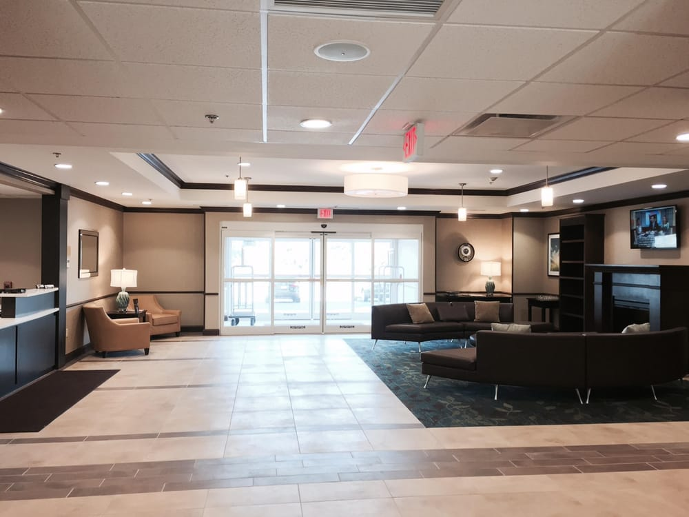 Candlewood Suites Youngstown W I-80 Niles Area: 5633 Cerni Pl, Austintown, OH