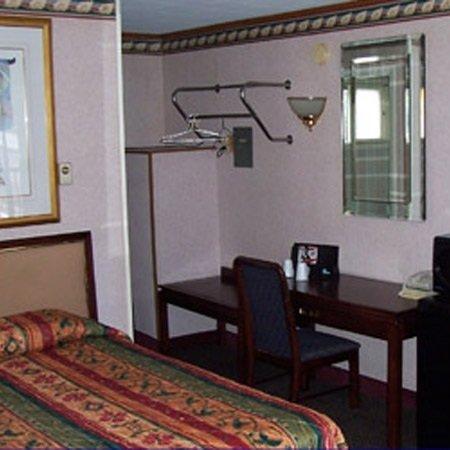 Heldreth Motel: 15259 S Preston Hwy, Kingwood, WV