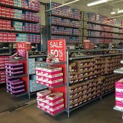 Shoe Stores Birch Run Mi