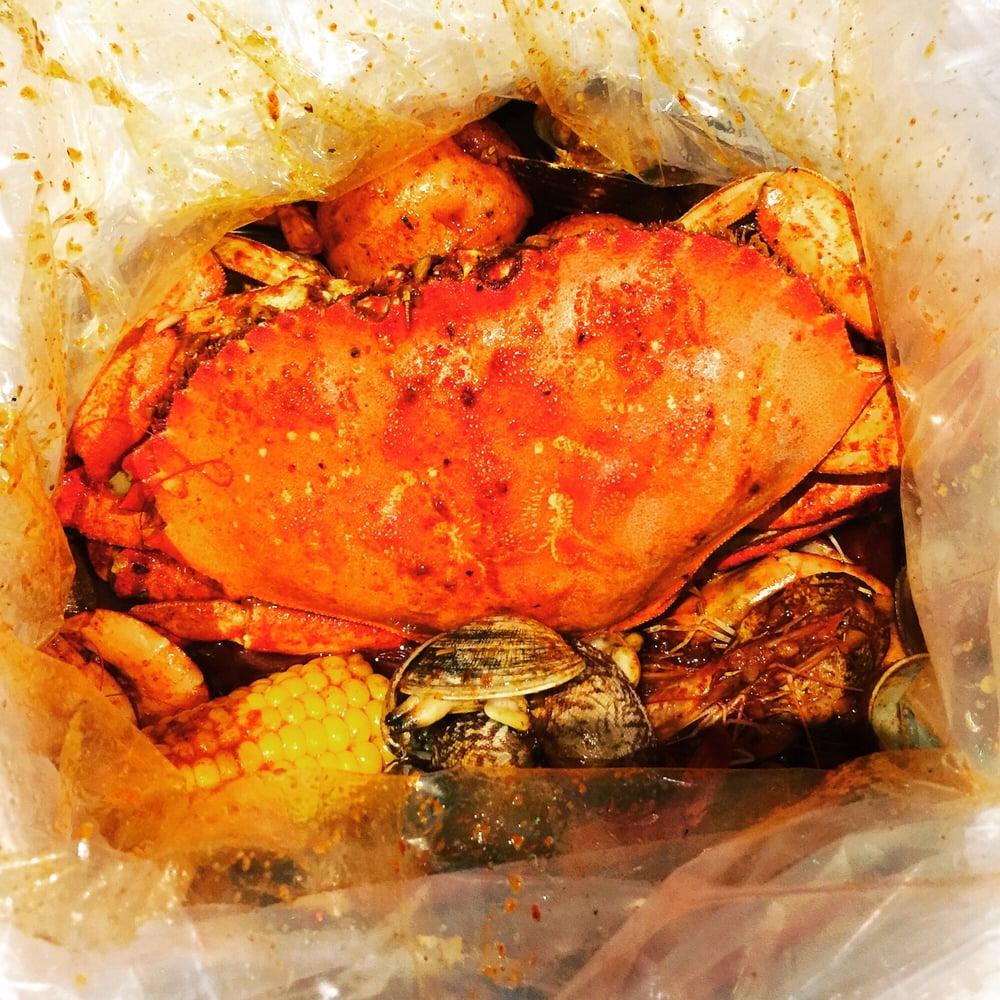 The Kickin' Crab: 1390 Fullerton Rd, Rowland Heights, CA
