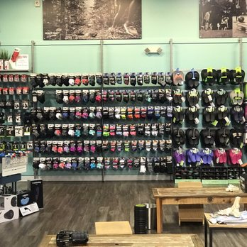 Fleet Feet - 27 Photos - Shoe Stores - 3972 Airport Blvd