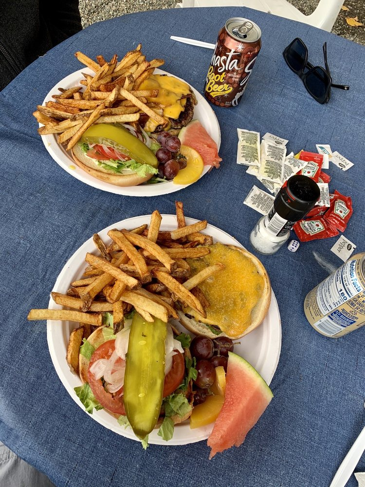 Jimbo's Food Bus: 9231 N Palmer-fishhook Rd, Palmer, AK
