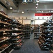 half off 6fe52 633e1 LLOYD Factory Outlet - Outlet Stores - Top 311 Designer ...