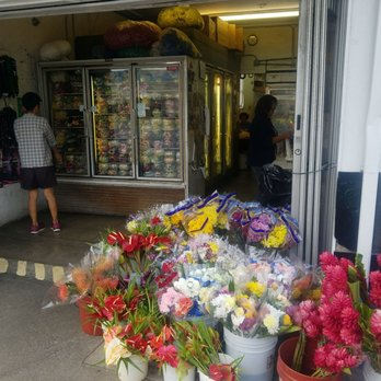 Photo of Le Flowers - Honolulu, HI, United States. Great selection of leis
