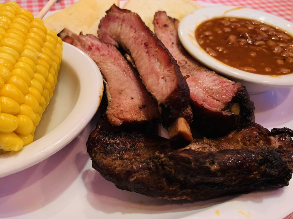 Ross's Bbq Restaurant: 304 E 8th St, Coffeyville, KS