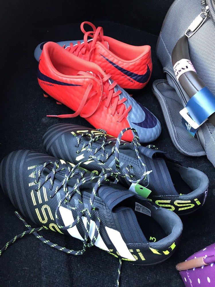 Big 5 Sporting Goods: 4343 Sepulveda Blvd, Culver City, CA