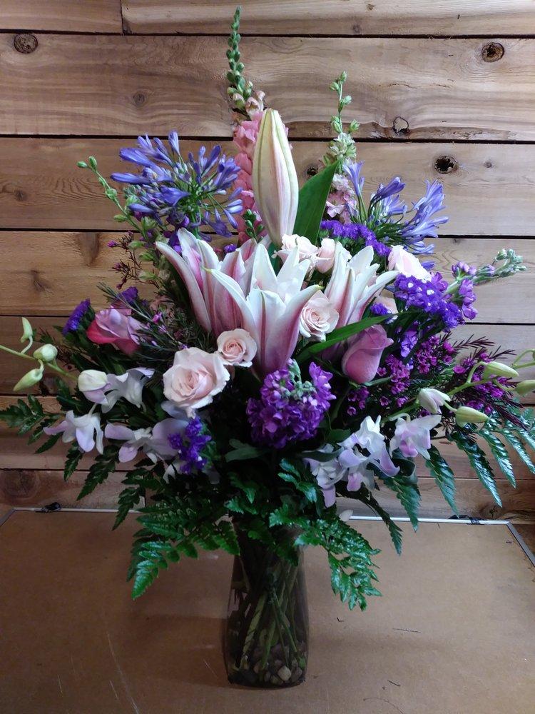 April May Flowers: 6308 NE 106th Cir, Vancouver, WA