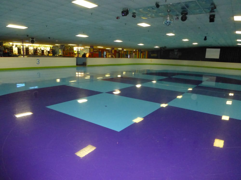 Skatetown: 905 Overland Trl, Enid, OK